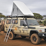 Kenya, bivouac. HZJ78 Toyota Photographie ©Patrick Galibert