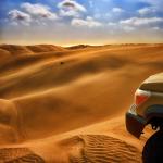 Namibie / Namibia. Namib desert. Toyota Land Cruiser HZJ 78. Raid 4x4