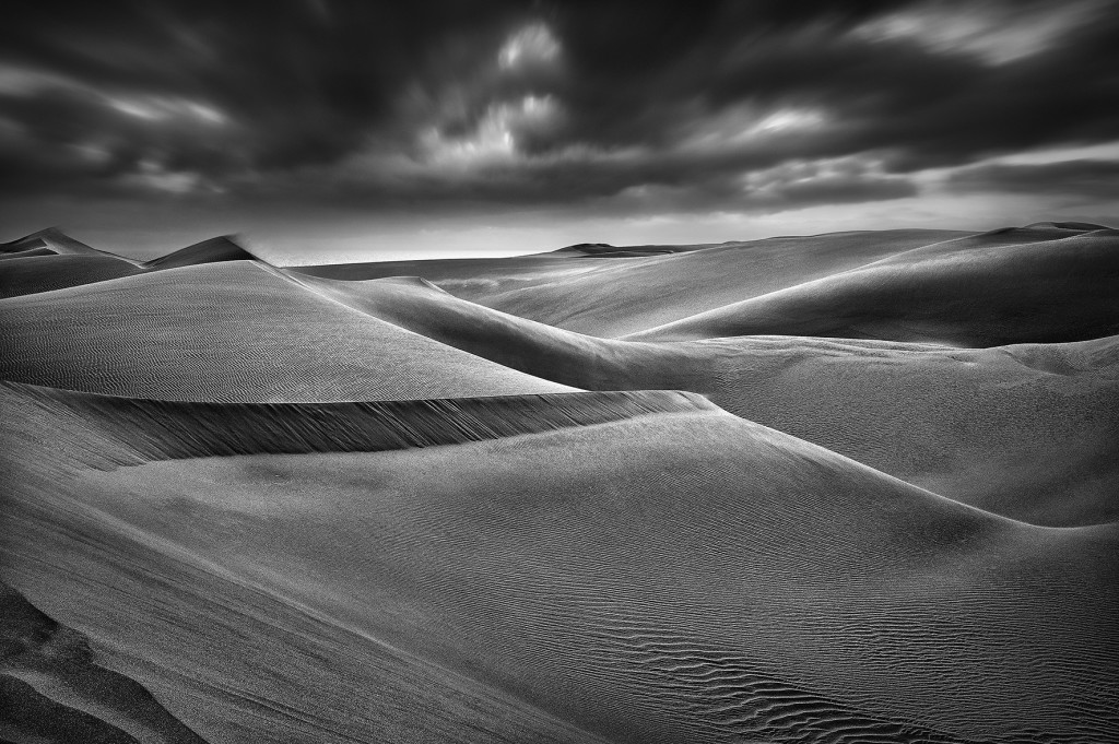 Namib desert. Reportage photographique en Namibie - Namibia pictures, black and white in Africa.  © Patrick Galibert